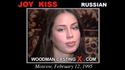 Check out this video of Joy Kiss having an audition. Erotic meeting between Pierre Woodman and Joy Kiss, a Russian girl.