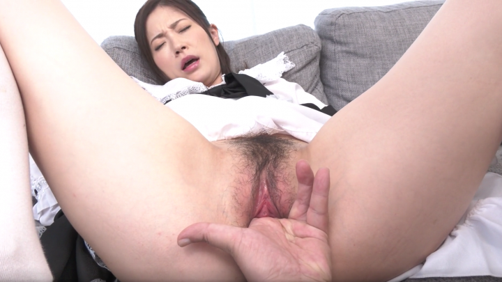 Kyoko Makise:Maid-Vibrator Orgasm