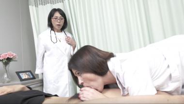 Montse Swinger:Nurse-Blowjob