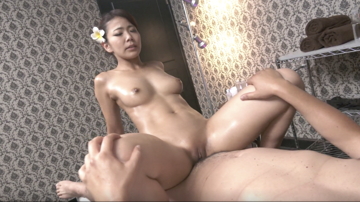 Nami Amami:Oil Massage-Japanese Creampie!